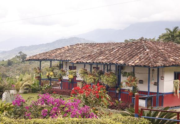 finca cafetera paisaje cultural cafetero bahaereque
